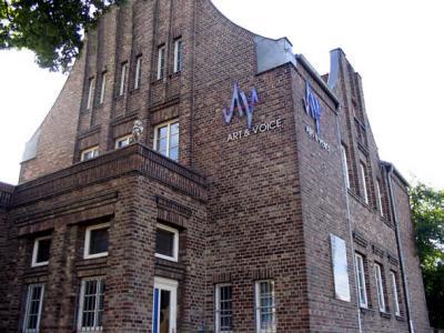 AV-Haus_front.jpg