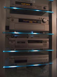 Hifi Rack mit Light.jpg